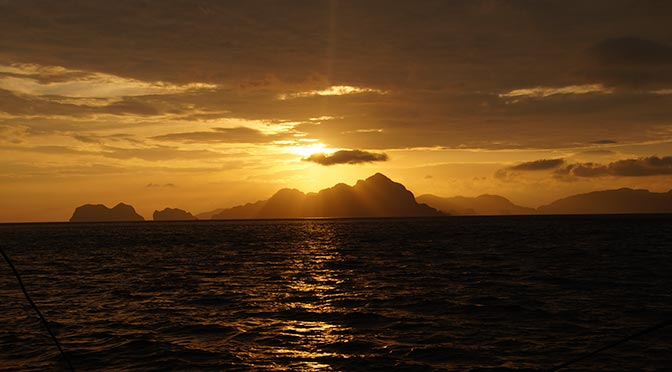 el-nido-philippines-sunset